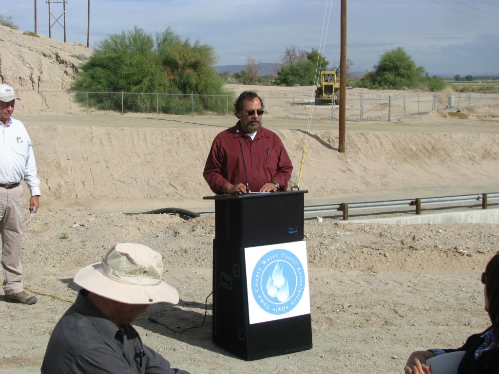 Bard Water District Manager Ron Derma spoke to the guests about the unique partnership that is shared between Bard Water District and the Association.