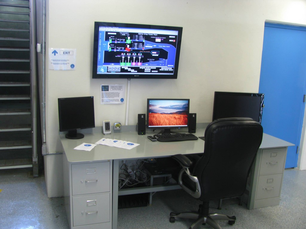 Guests were allowed to take a self-guided tour of the power plant. Of the many stations on the tour, this is the operators workstation and SCADA display.